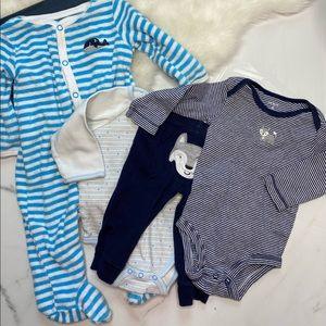 🎉Bundle Carter's Little Me footies outfit B7-29